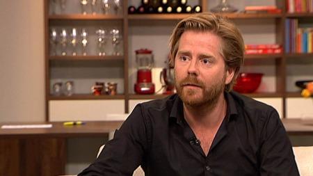 Regissør Janus Metz var med de danske soldatene i leiren Armadillo i Afghanistan ut på oppdrag (Foto: TV2)
