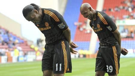Nicolas Anelka og Didier Drogba (Foto: ANDREW YATES/Afp)