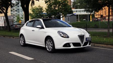 Alfa-Romeo-Giulietta-forfra (Foto: Ditlev Eidsmo)