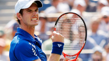 Andy Murray of Britain celebrates a point against Lukas Lacko of Slovakia during the U.S. Open tennis tournament in New York, September 1, 2010. REUTERS/Eduardo Munoz (UNITED STATES - Tags: SPORT TENNIS)
