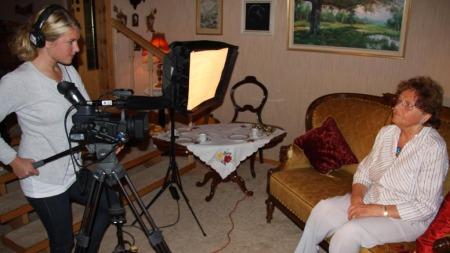 Filmskaper Hilde Ranheim og intervjobjektet Ragna Riise.