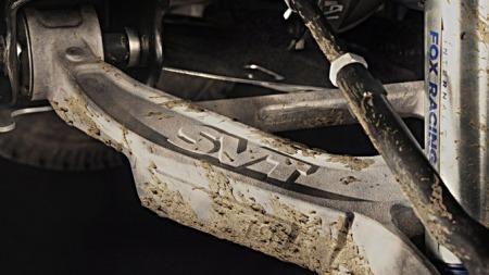 Ford-F-150_SVT_Raptor_SuperCrew_2011_1024x768_wallpaper_0b