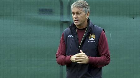 KNALLHARD: Roberto Mancini har fått konstruert en tøff treningsbakke for City-stjernene. (Foto: PAUL ELLIS/Afp)