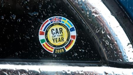 Her er noe Opel er stolte av: Insignia ble Årets Bil i Europa i 2009.