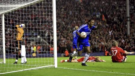Chelsea's Didier Drogba celebrates the equalising goal an own goal by Liverpool's John Arne Riise (Foto: John Walton/Pa Photos)