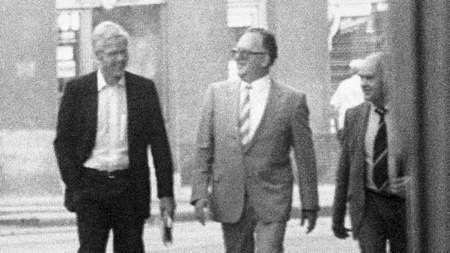 ARKIVBILDE: tilgjengeliggjort fra Politiets Sikkerhetstjeneste. Bildet viser Treholt, Titov og Lopatin i Wien august 1983. (Foto: PST/SCANPIX)