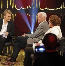 Arne Treholt og Anne Holt var gjester hos Fredrik Skavlan. (Foto: Anders Wiklund)