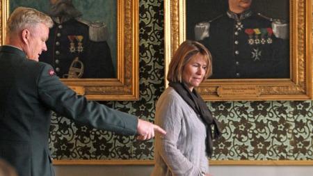 Forsvarsminister Grete Faremo og Forsvarssjef Harald Sunde under åpningen av dagens seminar på den gamle krigsskolen i Tollbugata i Oslo. (Foto: Scanpix)