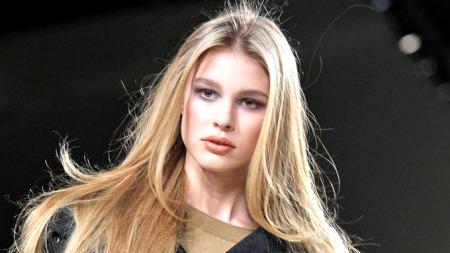 STATISK: Håret blir ofte tørt og statisk om vinteren.  (Foto: Gil-Gonzalez Alain, ©LM)