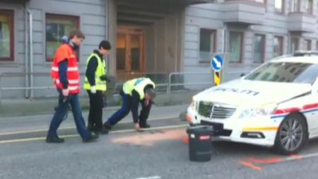 HER ENDTE JAKTEN: MC-føreren krasjet med politiet under en politijakt i Bergen natt til søndag. (Foto: TV 2/ MMS)