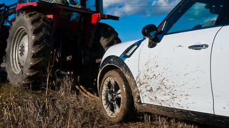 Mini_Countryman_traktor (Foto: Marius Christensen)