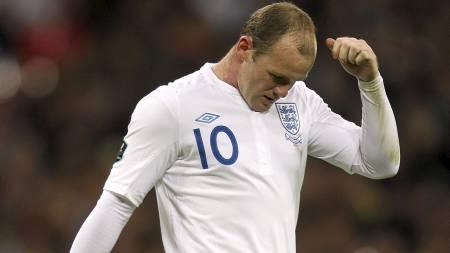 FRUSTRERT: Wayne Rooney fikk det ikke til å stemme mot Montenegro. (Foto: David Davies/Pa Photos)