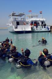 DYKKING: Egypt er et populært reisemål for dykkere. Mange drar for eksempel hit  til Hurghada. (Foto: Niklas Funk/Star Tour)
