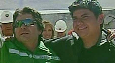 Pablo Rojas (til venstre) var den nittende gruvearbeideren som   ble reddet.