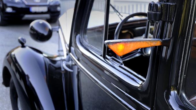 Vauxhall_Twelve-Four blinklys (Foto: Egill J. Danielsen)