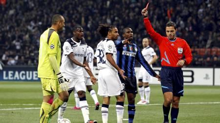 Heurelho Gomes får rødt kort i kampen mot Inter. (Foto: MAX ROSSI/Reuters)