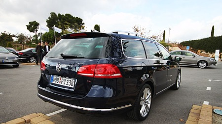 Slik ser den ut bakfra, nye VW Passat stasjonsvogn. Broom er på lanseringen akkurat nå.