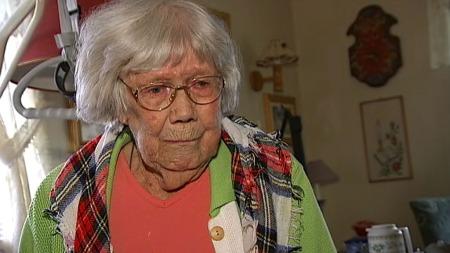 BYGGET NORGE: 89 år gamle Marie Pauline Husom har vært med å bygge Norge. Nå har ikke landet hennes råd til å gi henne hjelpen hun trenger. (Foto: TV 2)