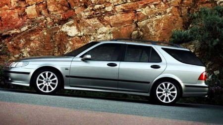 Saab 9-5 er en stor og solid stasjonsvogn - og nå får du den billig!