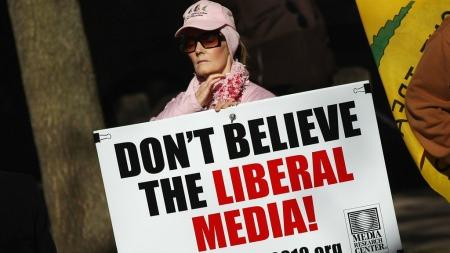 «Ikke tro på de liberale mediene» mener Tea Party. Bilde fra 1. november i år, dagen før mellomvalget. (Foto: WIN MCNAMEE, ©wm/pr)