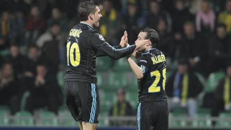 Andre-Pierre Gignac og Mathieu Valbuena. (Foto: JOE KLAMAR/Afp)