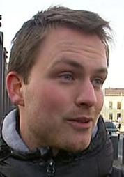 Leder i Rød Ungdom Iver Aastebøl reagerer sterkt på TV 2s avsløringer om overvåking av nordmenn.  (Foto: TV 2 )