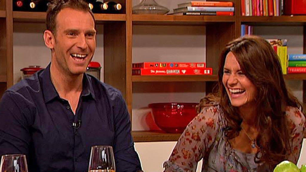 Carsten Skjelbreid og Katrine Moholt skal være med i NM og VM i latin dans (Foto: TV 2)