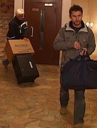 Politiets teknikere samlet spor søndag.  (Foto: TV 2)