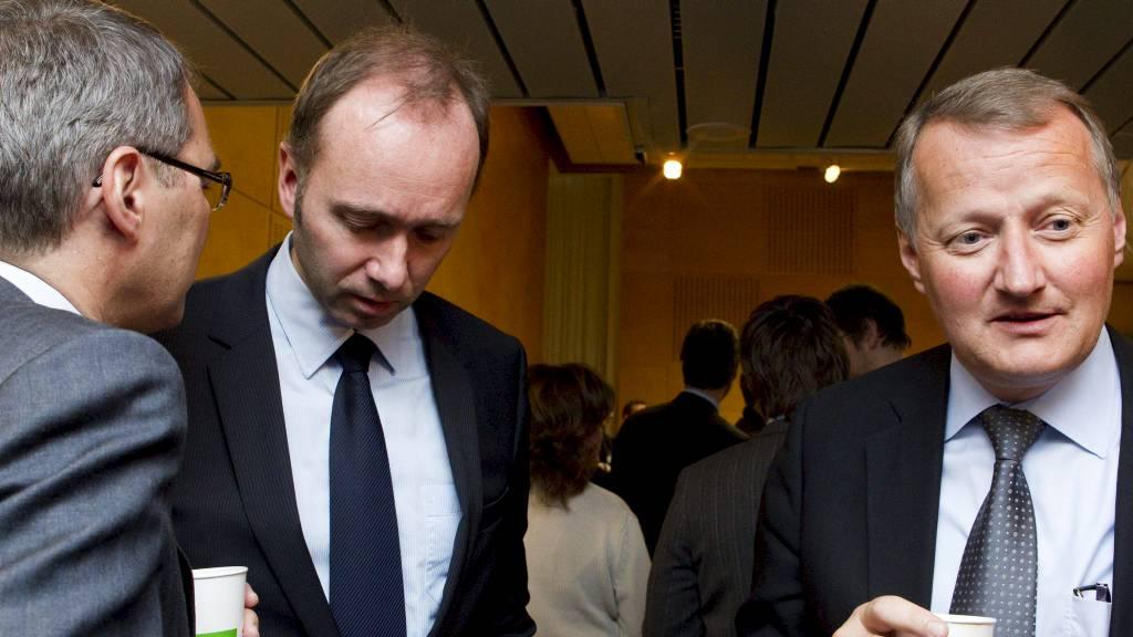 Næringslivsleder Rune Bjerke, næringsminster Trond Giske og Svein Richard Brandtzæg under Eierskapskonferansen i Plenumssalen i Regjeringsbygget (Foto: Roald, Berit/SCANPIX)