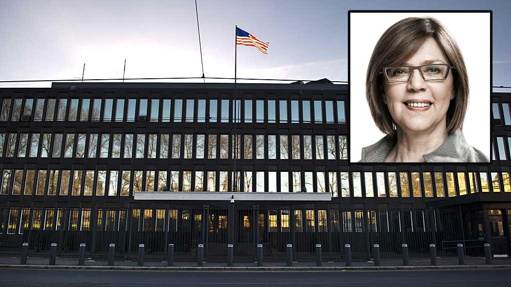 KREVER SVAR: Etter at TV 2 avslørte hemmelig overvåking knyttet til den amerikanske ambassaden i Oslo, krever også Island svar fra USA. Politikeren Alfheidur Ingadottir i partiet Vinstri Græn (innfelt) sier at påstandene om overvåking på Island må granskes. (Foto: Montasje)