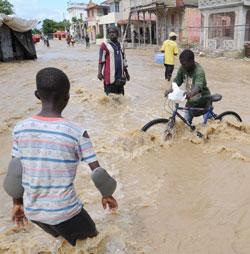 Årets siste orkan så langt er Tomas. Flere enn 500 mennesker er omkommet som følge av uværet bare på Haiti. (Foto: Afp)
