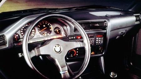 BMW-E30-M3-Interior-Dash