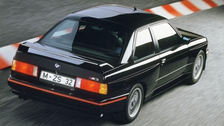 BMW-E30-M3-Sport-Evo-Black[