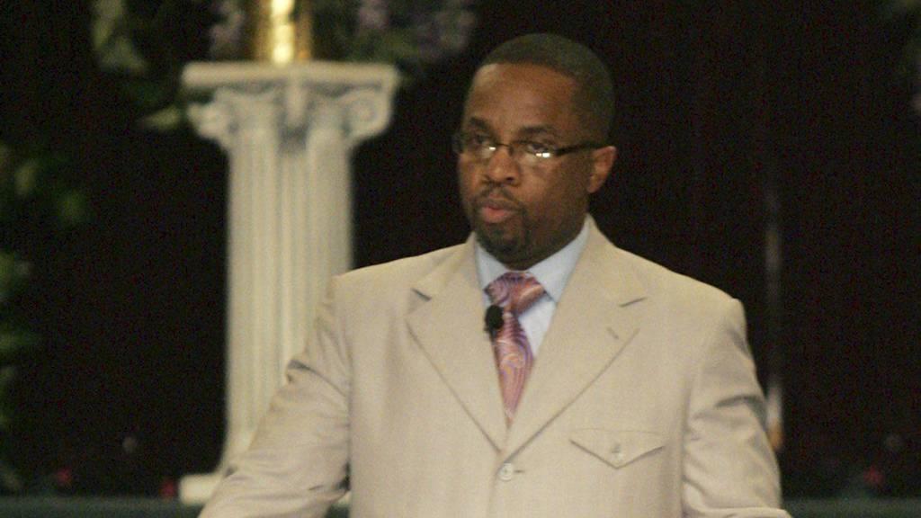 DELTOK I ORGIER: Pastor Cedric Miller har deltatt i sexorgier sammen med sin kone. (Foto: MARY FRANK/Ap)