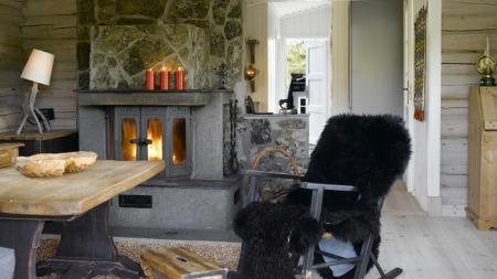 En arvehytte der tømmeret er beiset. Det opprinnelige utseende er beholdt. (Foto: Per Erik Jæger)