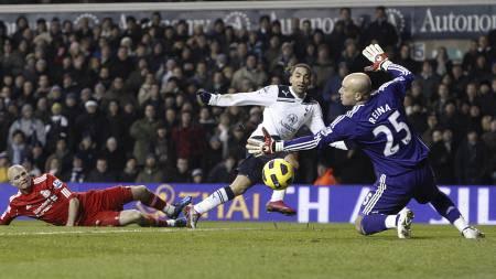 Aaron Lennon scorer mot Liverpool. (Foto: Sean Dempsey/Pa Photos)