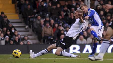 Sebastian Larsson står med én scoring og fem assist så langt. (Foto: Andrew Matthews/Pa Photos)