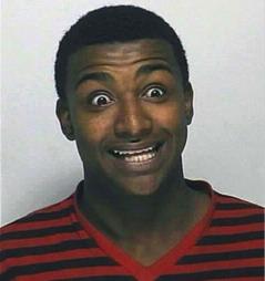 HEVET ØYENBRYNENE: Er han forfjamset? Redd? Glad? Eller bare høy på kokain? Slik blir i alle fall 18-åringen seende ut i politiets arkiver etter arrestasjonen på tirsdag.