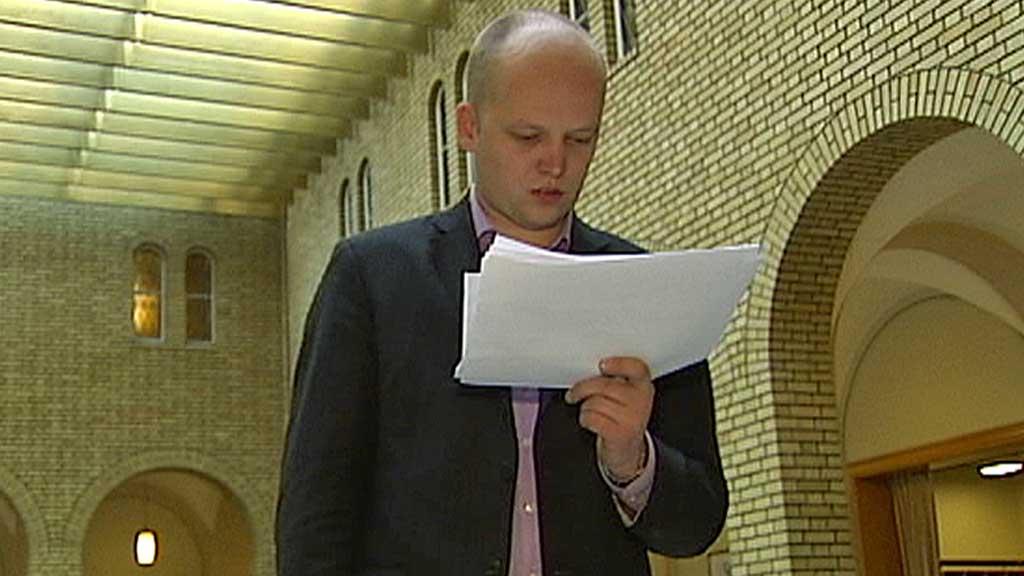 LANGT NEDE: Senterpartiet balanserer på sperregrensa på meningsmålingen gjort av TNS Gallup for TV 2. (Foto: TV 2)