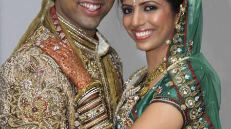 Shrien Dewani og Anni Dewani på bryllupsbilde. Nå er Shrien mistenkt for å ha bestilt drapet på sin kone. (Foto: Bristol Evening Post via PA/Ap)