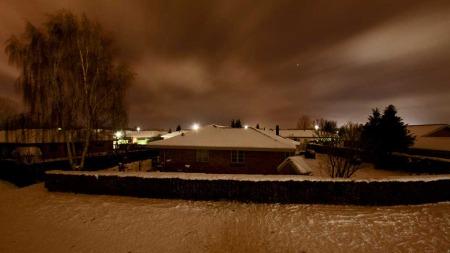 VINTERMØRKET: Mørket kan også være vakkert i et vinterlandskap, men mange sliter med å tilpasse kroppen til den korte dagen. (Foto: Illustrasjonsfoto: Colorbox)