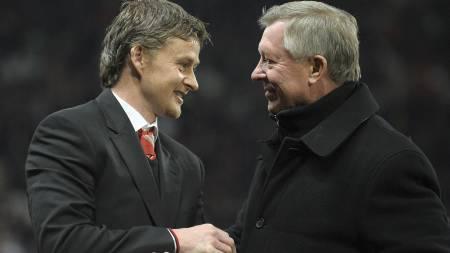 Ole Gunnar Solskjær og Sir Alex Ferguson (Foto: ANDREW YATES/Afp)