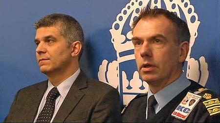 Politiet holdte pressekonferanse om det som de betegner som   et terrorangrep mot Stockholm lørdag kveld. (Foto: TV 2)