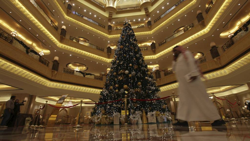 Juletre  Emirates Palace hotel 1 (Foto: -/Afp)