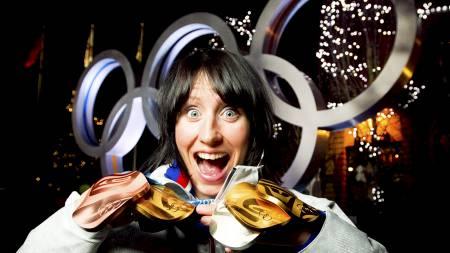 MEDALJEFEST: Marit Bjørgen med sine fem medaljer i Vancouver. (Foto: Junge, Heiko/NTB scanpix)