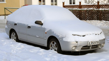 Nedsnødd Hyundai Accent (Foto: Tore Robert Klerud)