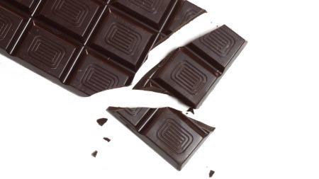 Mørk sjokolade med høyt kakaoinnhold. (Foto: Illustrasjonsfoto)