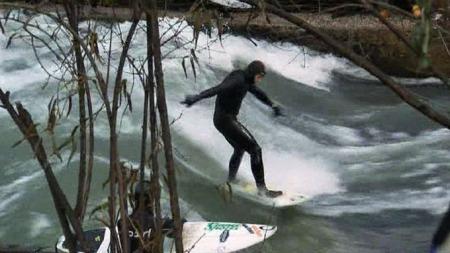Surfing München (Foto: SKY NEWS)