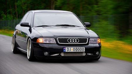 Robert sin Audi A4 tar plass. Og det får den. Foto: Robert Otterlei