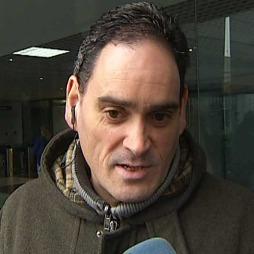 MIRAKEL: Javier Uriarte sier de har fått den beste julegaven Gud kunne gitt dem. Nå ber de for at Ubai skal bli frisk. (Foto: TELE5)